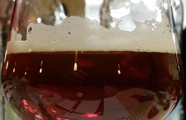"""Der Hopfenschmecker trinkt """"Framboise"""" Bier"""
