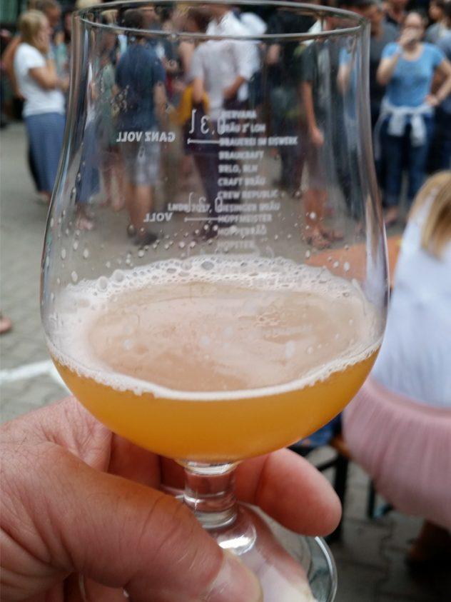 """Der Hopfenschmecker trank """"Summer Outbreak"""" und """"Blutweisse"""" vom Zombräu"""